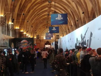 Der Playstation-Gang mit der CoD WWII Warteschlange