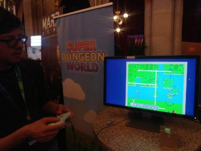 Jan Jüttner zeigt mir die Oberwelt von Super Dungeon World